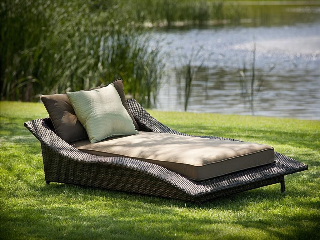 Round Double Patio Lounger • Patio Ideas
