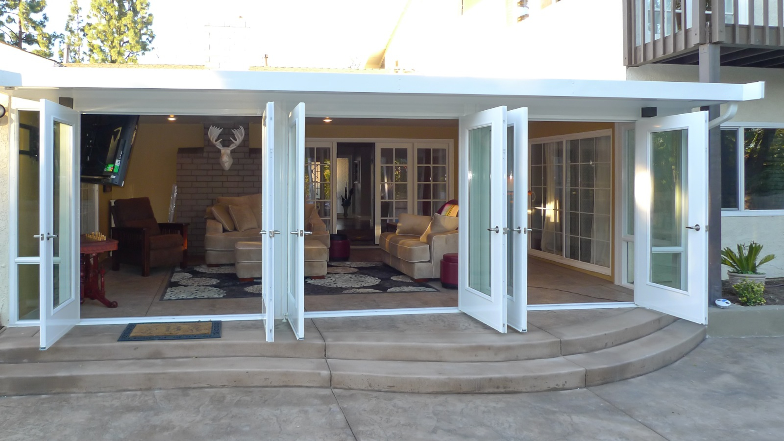 Etonnant Delightful Enclosed Patio Designs 4 M 0db3c38dfc49 Anadolukardiyolderg  Regarding Proportions 1600 X 900