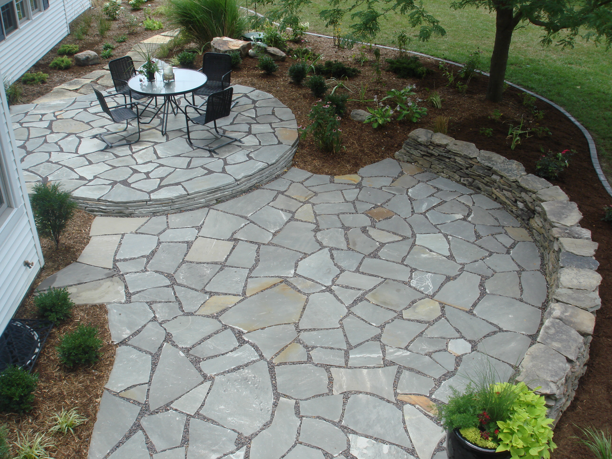 Gentil Flagstone Patio For A Natural Look Decorifusta Intended For Sizing 2592 X  1944