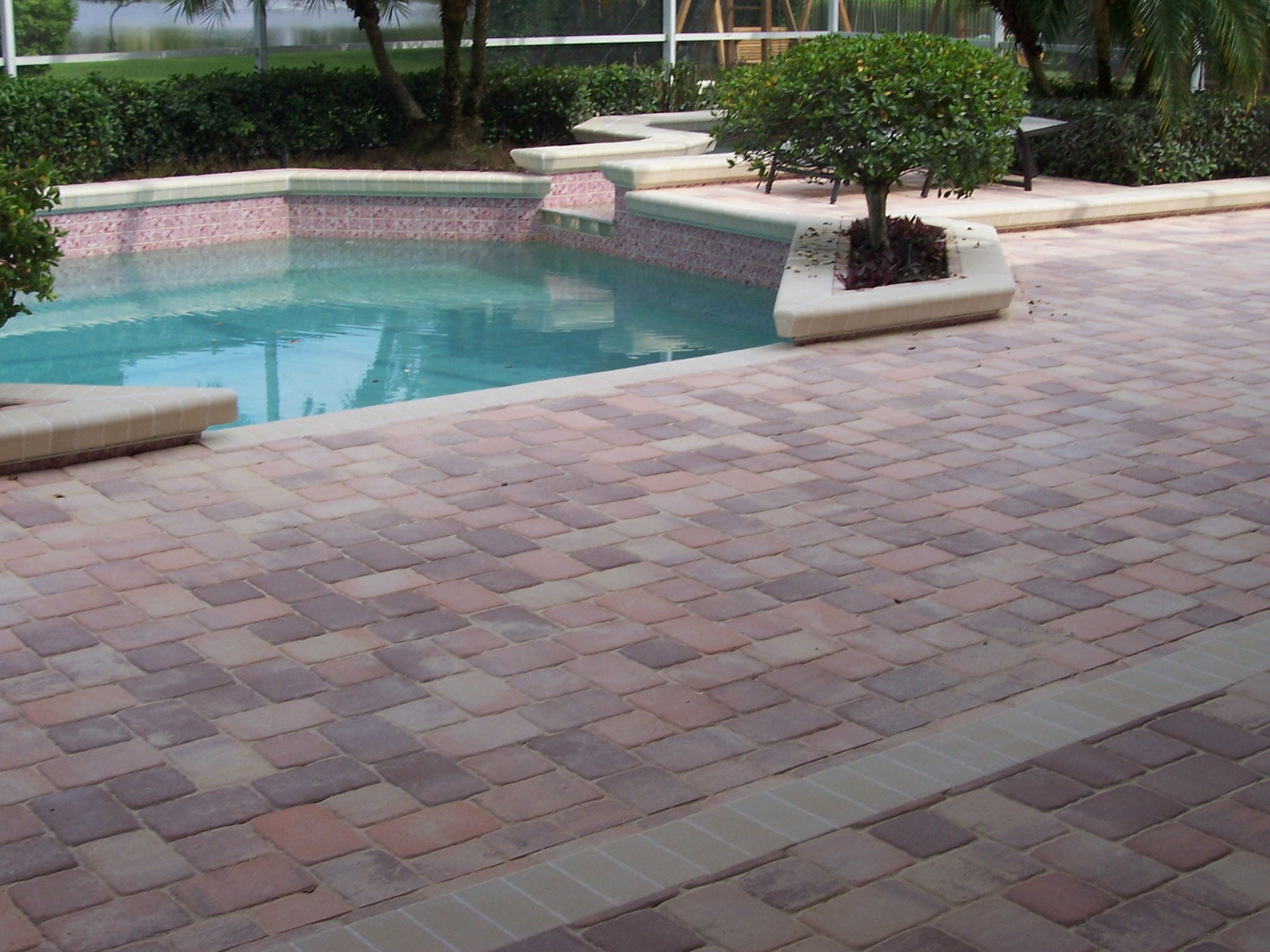 Exceptionnel Pool Deck Thin Pavers Pavers Tampa Award Winning Brick Pavers Within  Proportions 2304 X 1728