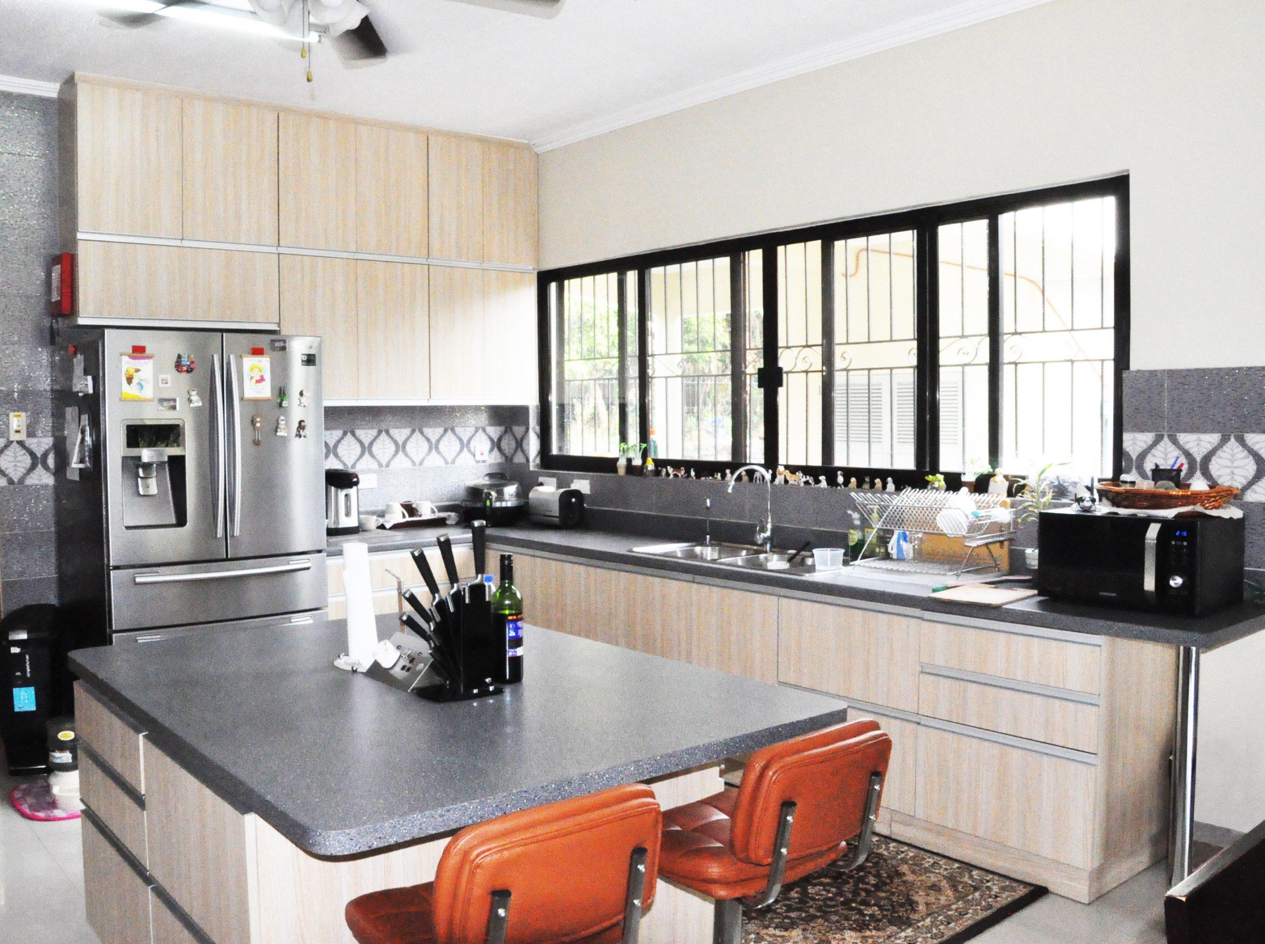 Kitchen Cabinet 95131 • Patio Ideas