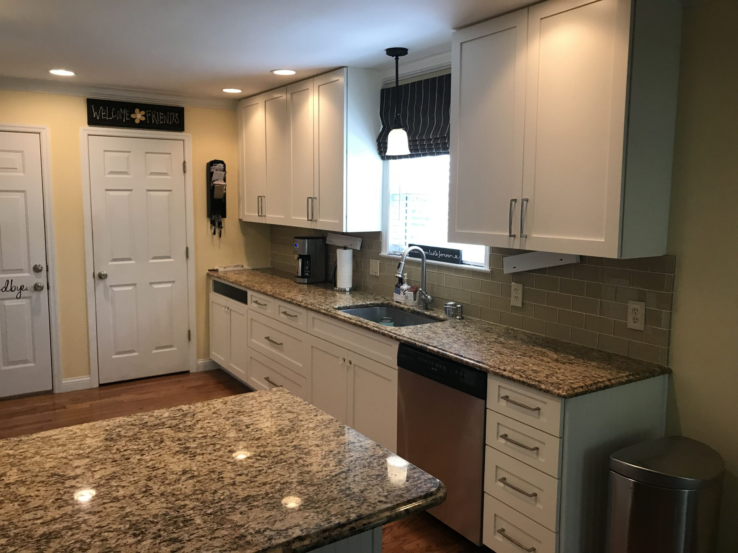 Santa Cecilia Granite Sw Alabaster Shaker Cabinets Brushed with regard to size 4032 X 3024